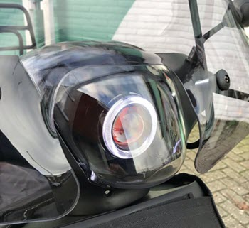 piaggio-zip-sp-scooter-met-eye-angel-led-koplamp